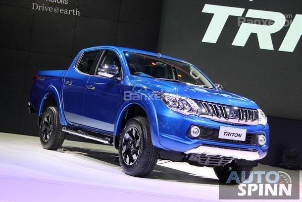 Bán Mitsubishi Triton GLS đời 2018, màu xanh lam, nhập khẩu