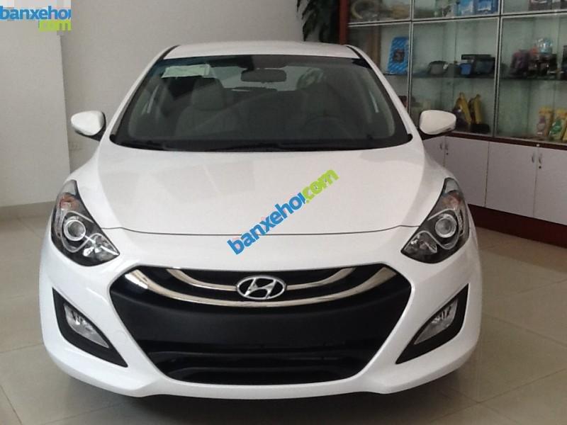 Xe Hyundai i30  2014-0