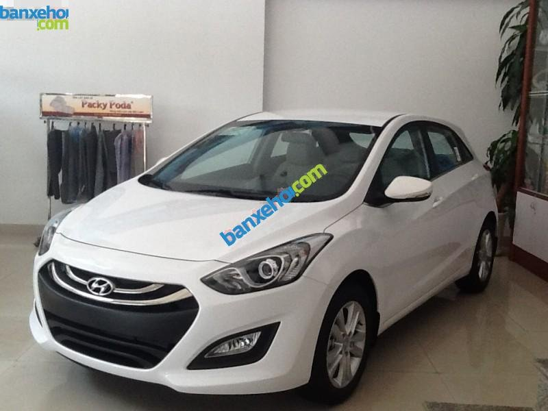 Xe Hyundai i30  2014-2