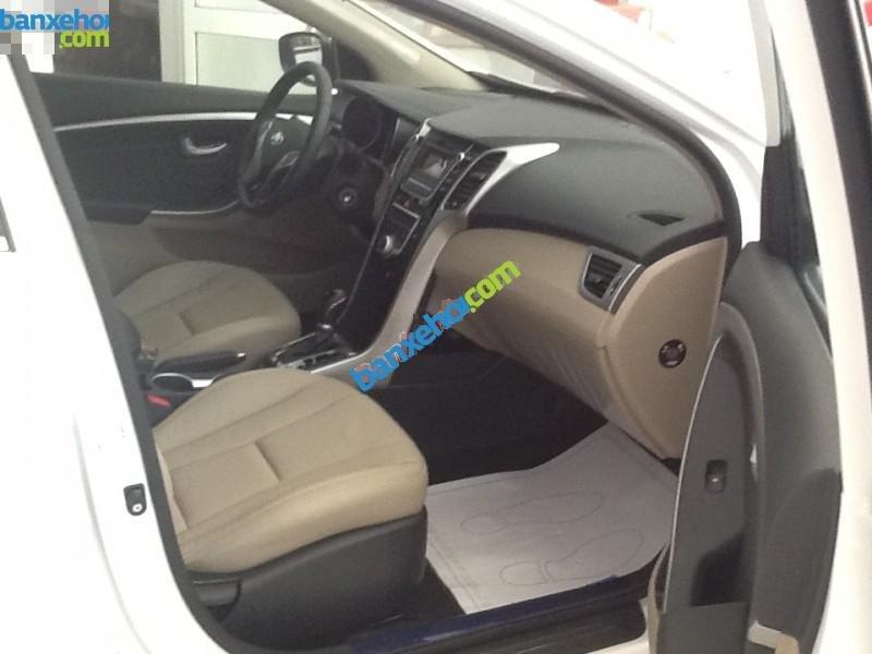 Xe Hyundai i30  2014-3