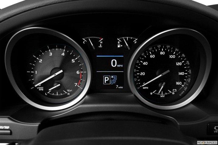 đánh giá xe Toyota Land Cruiser 2014 76111