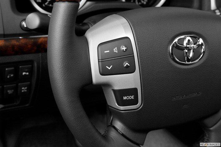 đánh giá xe Toyota Land Cruiser 2014 761