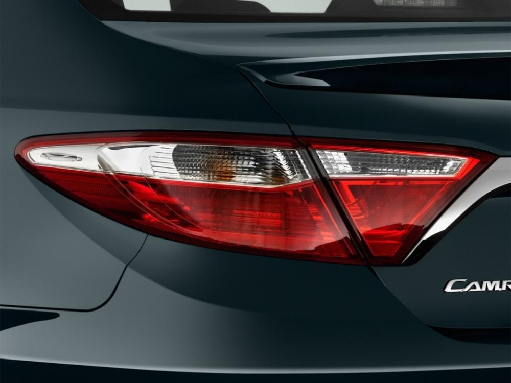đánh giá xe Toyota Camry 2015 52