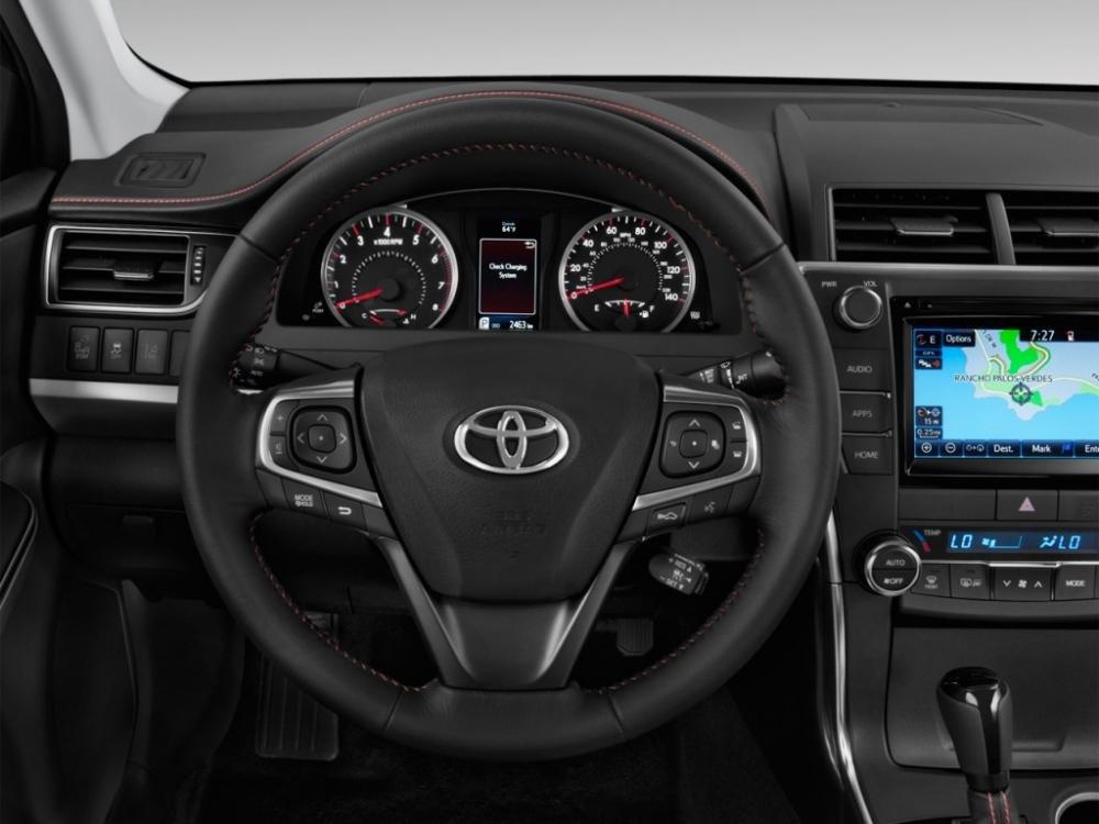 Đánh giá xe Toyota Camry 2015 555