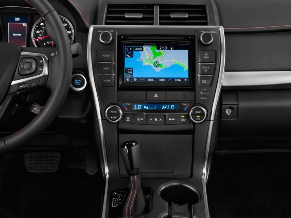 Đánh giá xe Toyota Camry 2015 5557