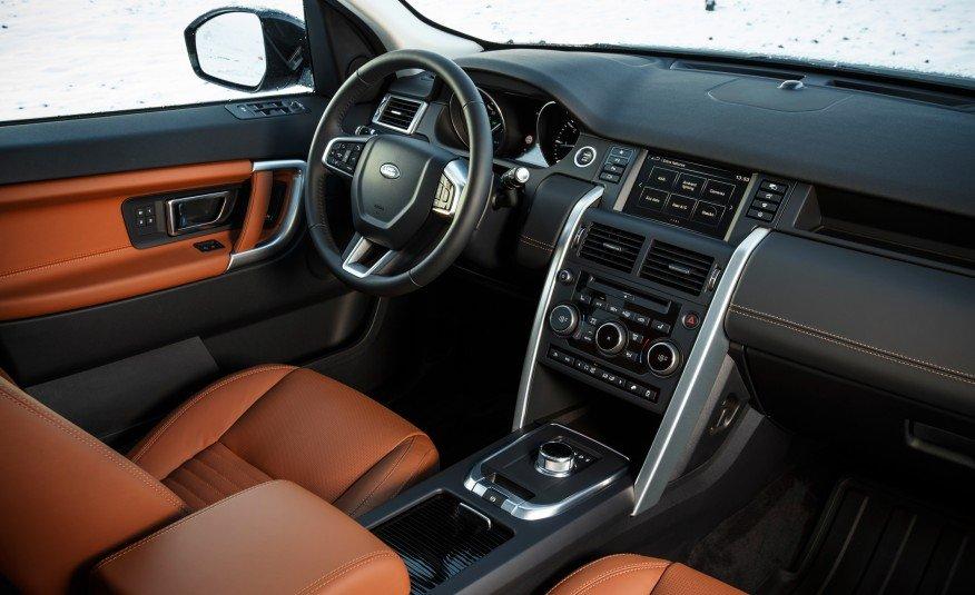 Các chi tiết trên bảng điều khiển của Land Rover Discoverry Sport được chăm chút kỹ lưỡng 1