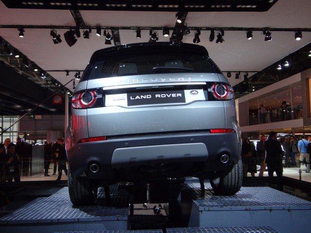 so sánh Land Rover Discovery Sport và Audi Q3 về ngoại thất 2