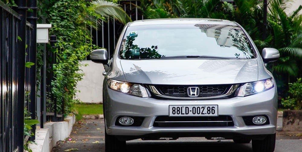 Đầu xe Honda Civic 2015 là bộ phận có sự thay đổi rõ ràng nhất 1