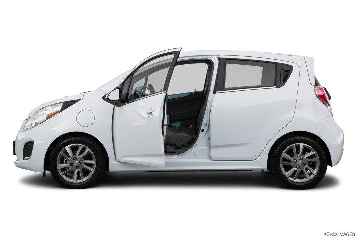 Đánh giá xe Chevrolet Spark EV Hatchback 2015  3121234