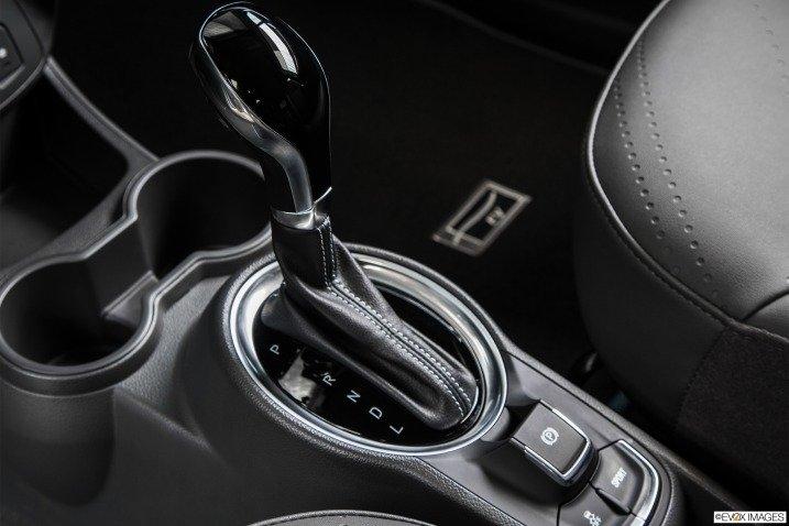 Đánh giá xe Chevrolet Spark EV hatchback 2015 15111