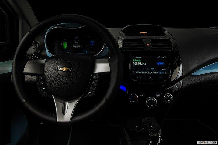 Đánh giá xe Chevrolet Spark EV Hatchback 2015 312211