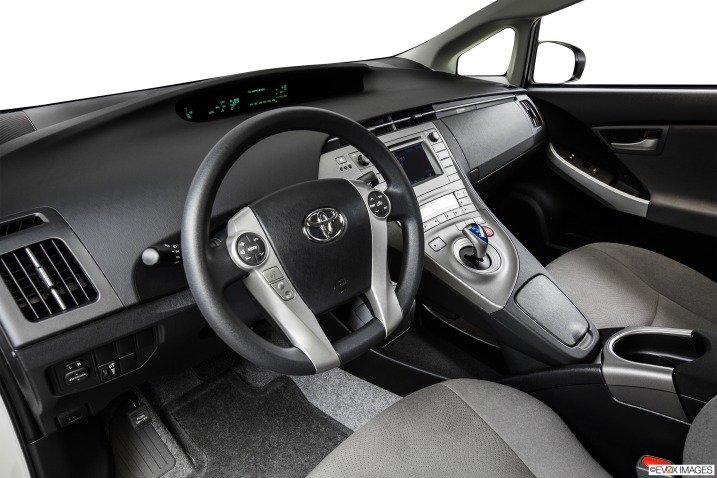 Đánh giá xe Toyota Prius 2015 192