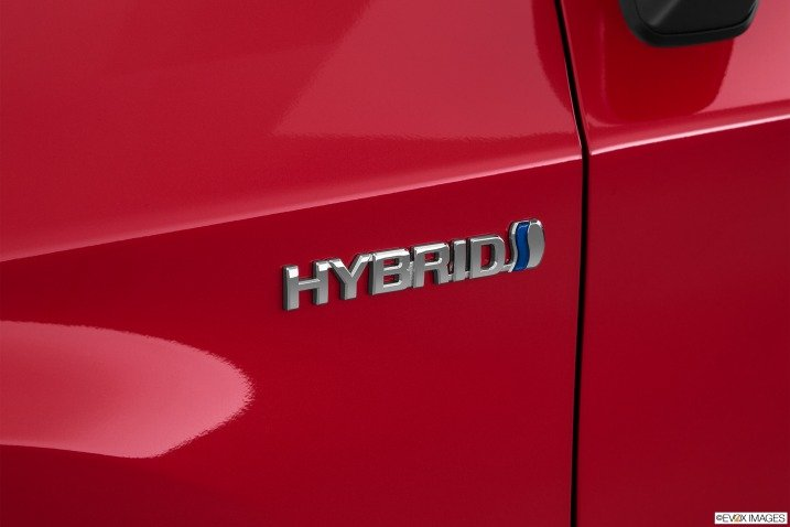 Đánh giá xe Toyota Prius 2015 111111