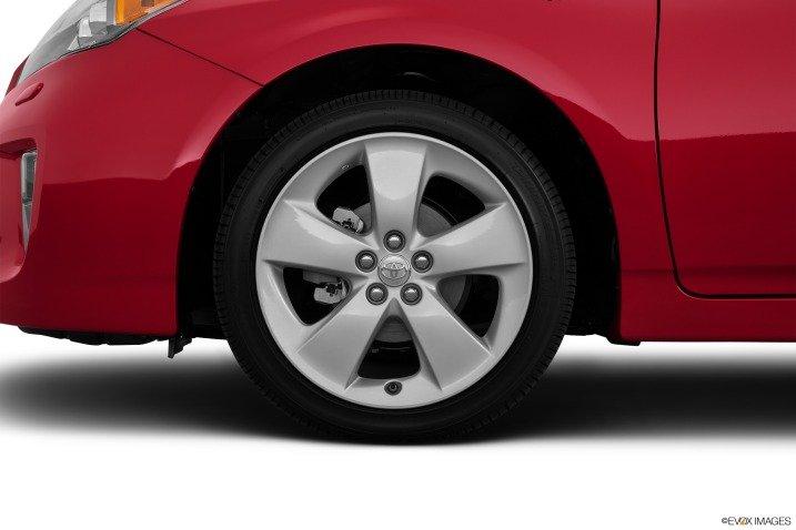 Đánh giá xe Toyota Prius 2015 7