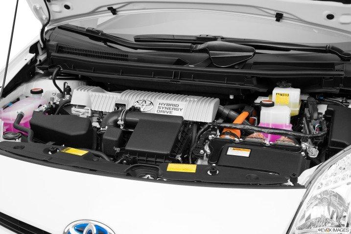 Khối động cơ Toyota Prius 2015 1