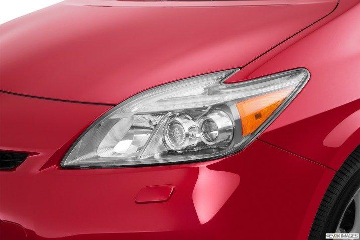 Đánh giá xe Toyota Prius 2015 3