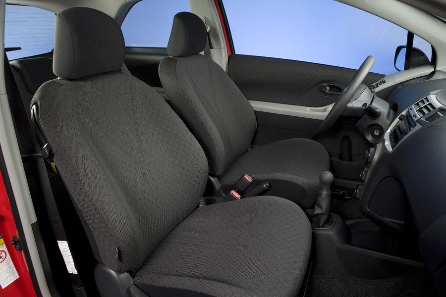 Ghế xe Toyota Yaris 2010 a