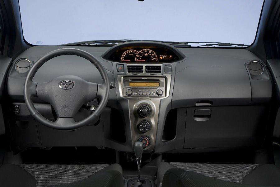 Vô-lăng của Toyota Yaris 2010 ''''''''''''''''