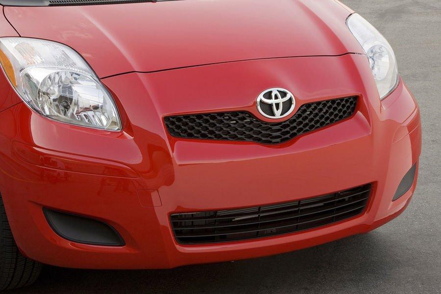 Đầu xe Toyota Yaris 2010 a