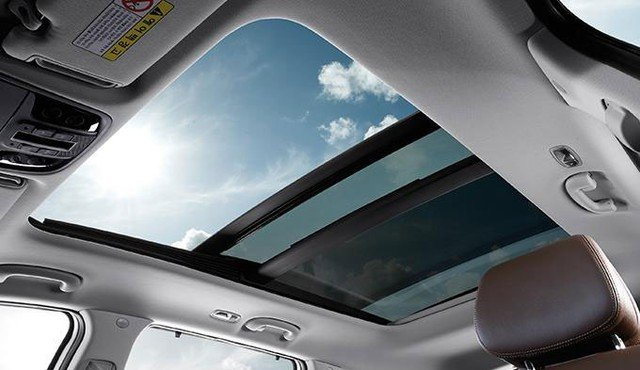 Cửa sổ trời của Kia Sorento 1