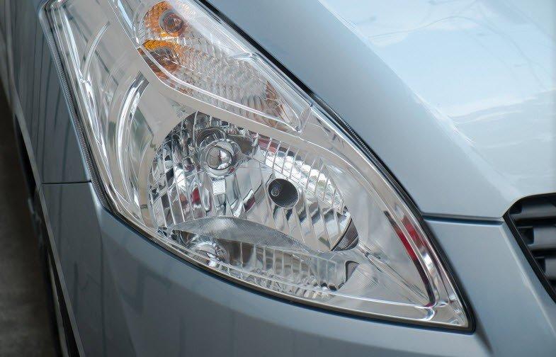 Đèn pha của Suzuki Ertiga sử dụng bóng Halogen 1