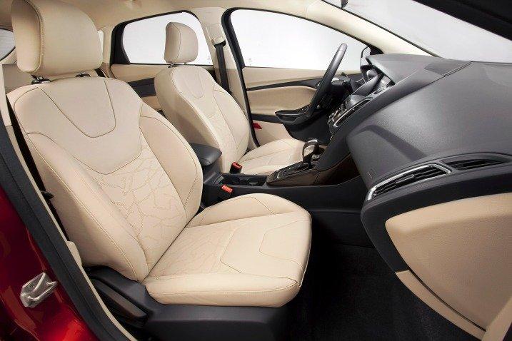 Ghế ngồi của Ford Focus 2015 1