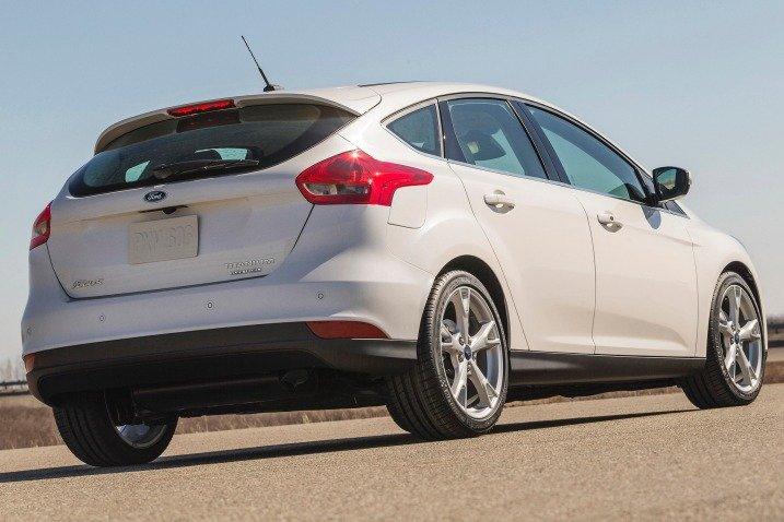 Ford Focus 2015 b