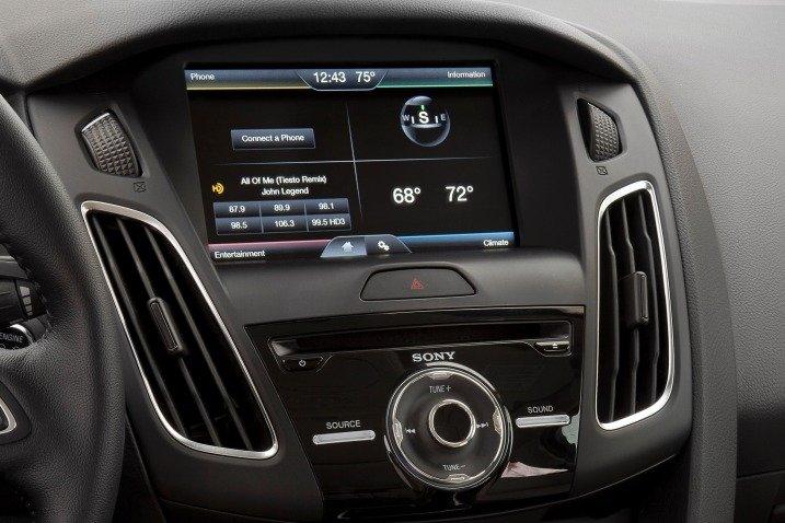 Màn hình cảm ứng của Ford Focus 2015 a