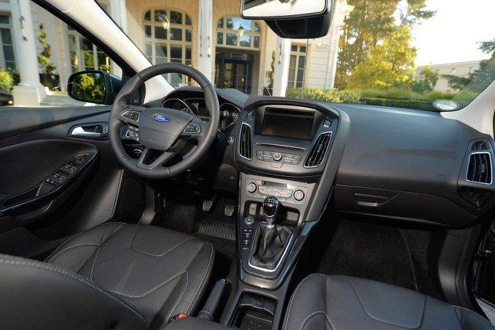 Cụm điều khiển Ford Focus 2015 a
