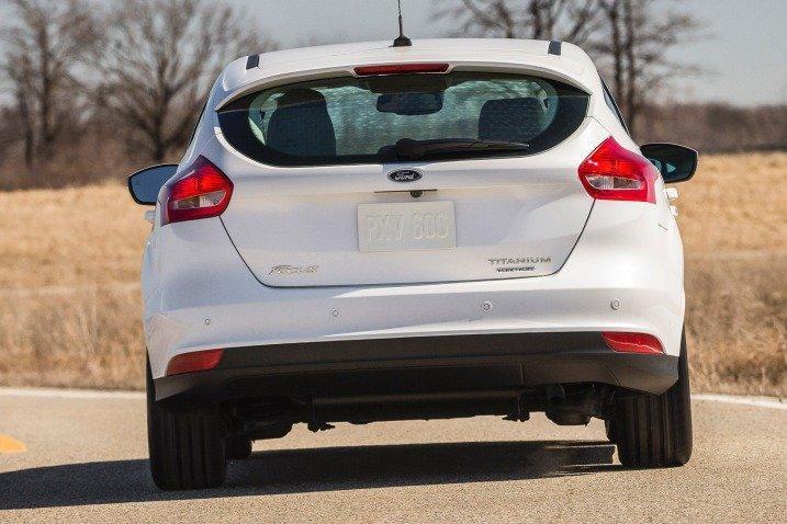 Đuôi xe Ford Focus 2015 không có nhiều thay đổi 1
