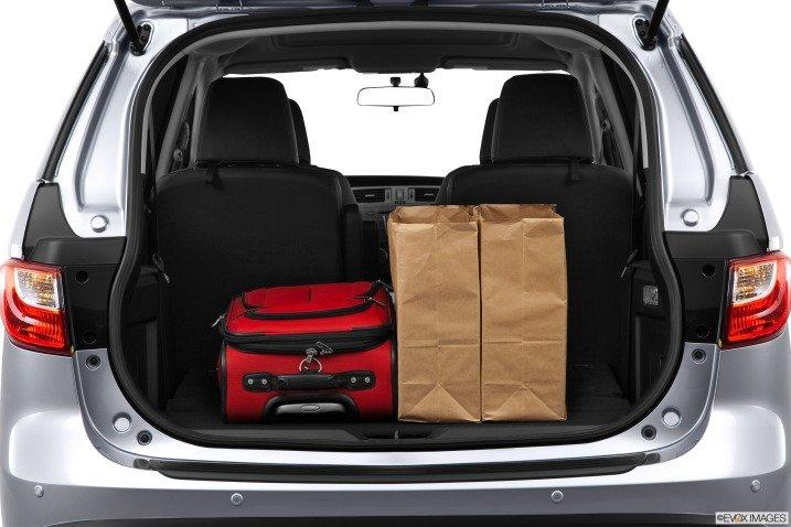 Khoang hành lý rộng, có thể tăng diện tích nếu gập các hàng ghế thứ 2 và thứ 3