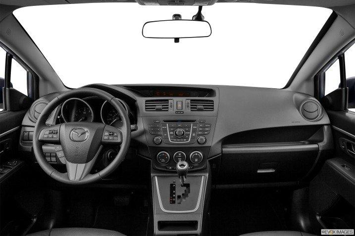 Minivan Mazda5 2014 có đầy đủ các tiện nghi điển hình 1
