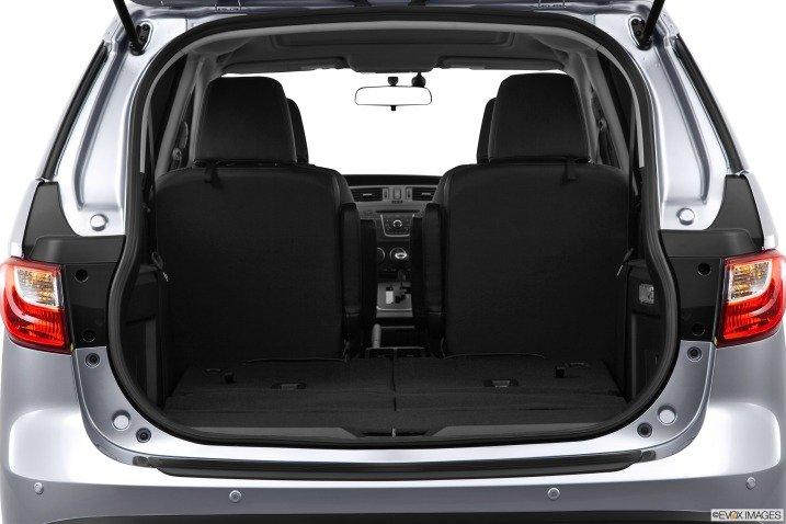 Khoang chứa đồ có thể mở rộng diện tích khi gập các ghế 1
