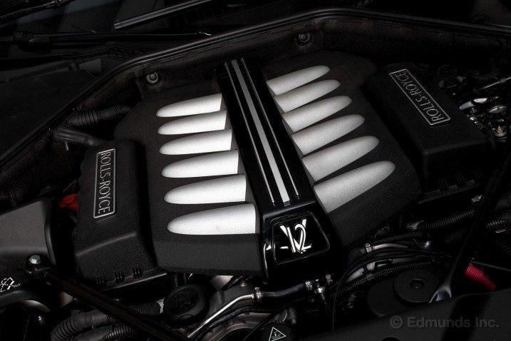 Rolls Royce Wraith sở hữu động cơ tăng áp kép V12 1