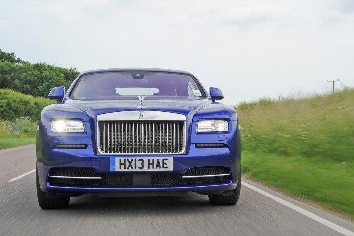 Đầu xe Rolls-Royce Wraith Coupe 2014 thiết kế theo kiểu fastback 1