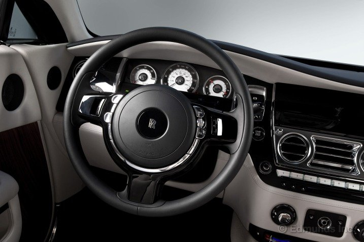 Vô-lăng của Rolls-Royce Wraith Coupe 2014 1