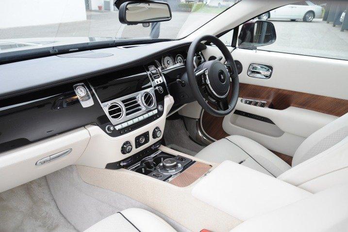 Ghế ngồi của Rolls-Royce Wraith Coupe 2014 1