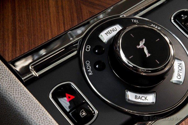 Trang bị tiện nghi trên Rolls-Royce Wraith 1