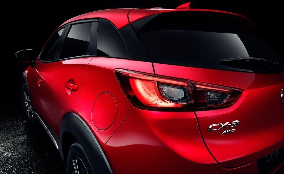 Đuôi xe Mazda CX-3 2016 a