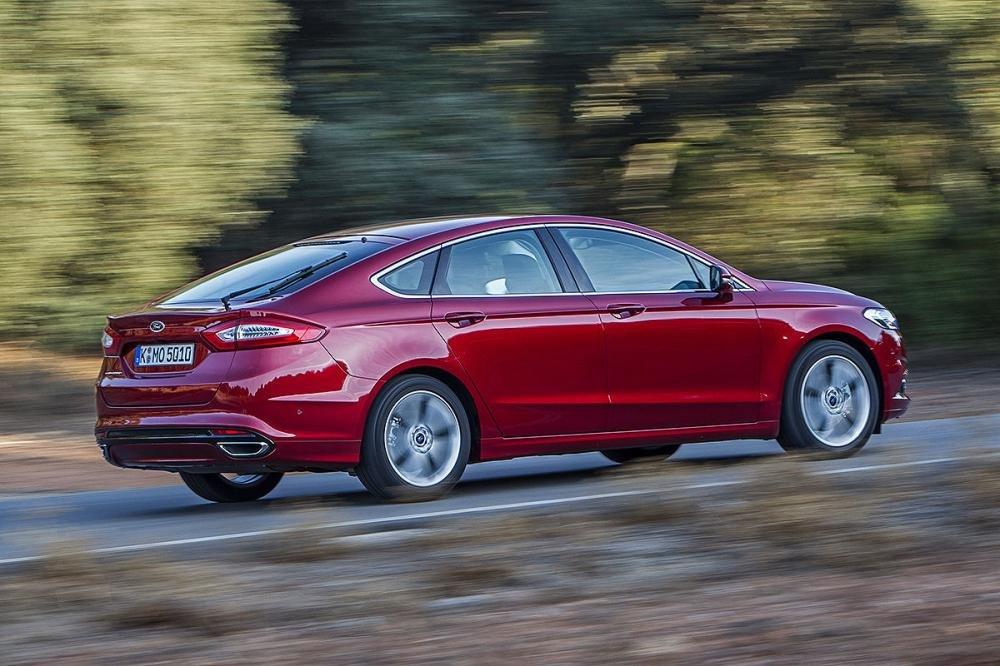 Đánh giá xe Ford Mondeo 2015 - mẫu xe gia đình thoải mái và linh hoạt 1