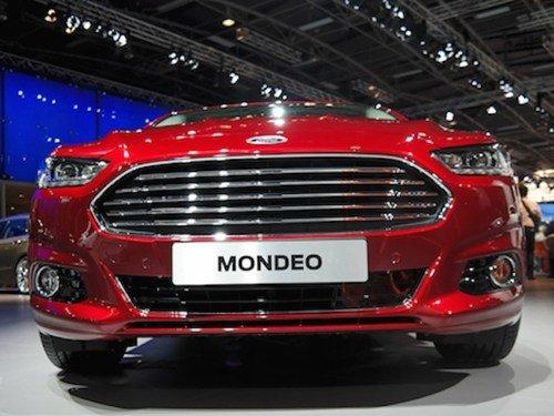 Đầu xe Ford Mondeo 2015 3