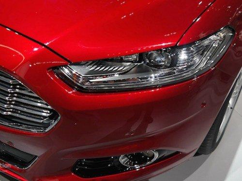 Đầu xe Ford Mondeo 2015 2