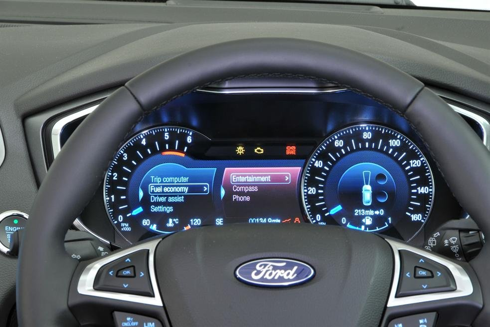 Bảng đồng hồ Ford Mondeo 2015