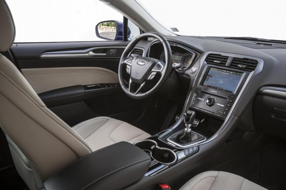 Ghế xe Ford Mondeo 2015