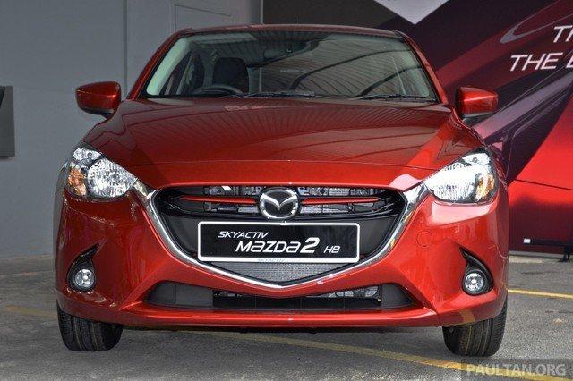 Đầu xe Mazda2 2015 1