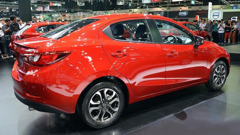 Thân xe Mazda2 2015 sedan 1