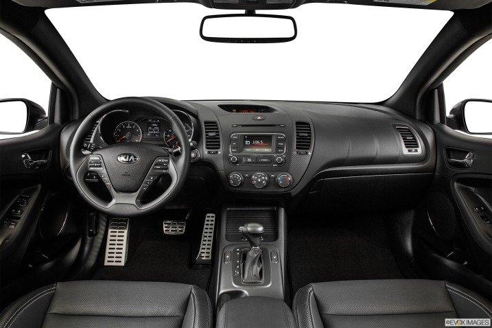 Đánh giá nội thất Kia Cerato 2015 hiện đại và tiện nghi 1