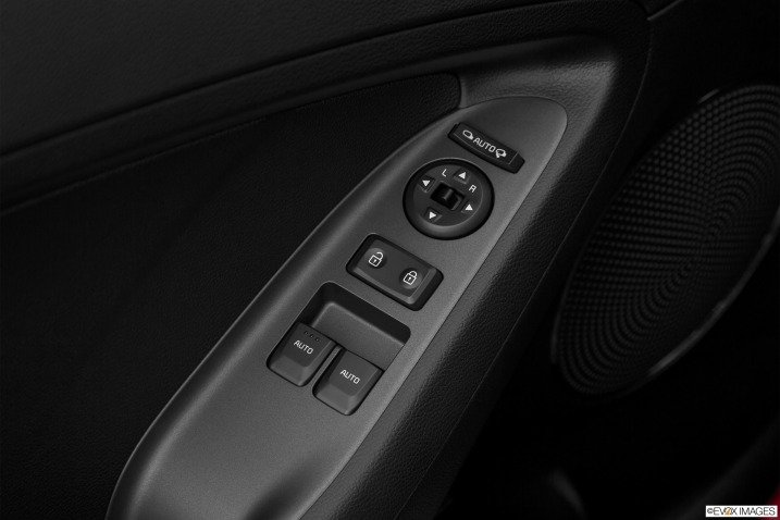 Trang bị tiện nghi Kia Cerato 2015 3