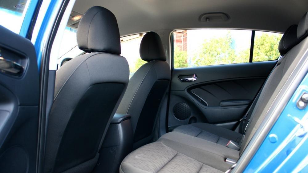 Cửa xe Kia Cerato 2015 3