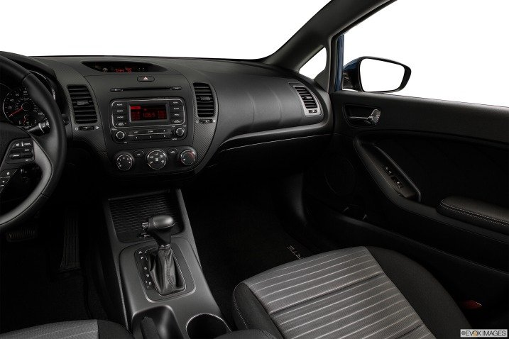 Bảng điều khiển Kia Cerato 2015